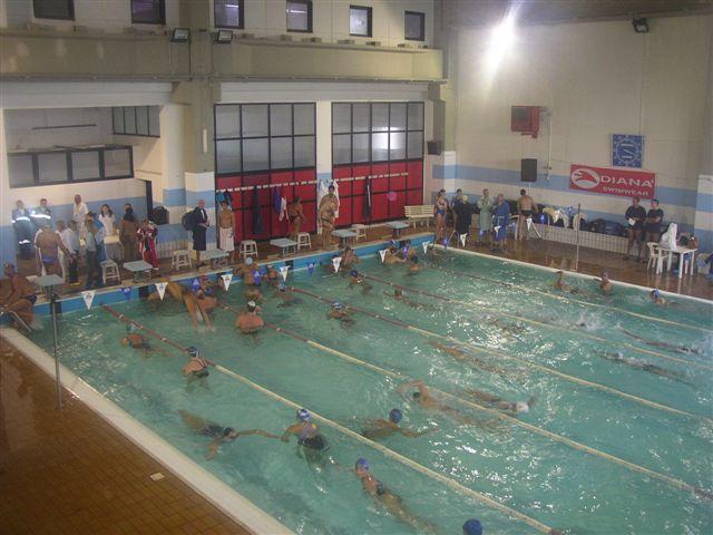 La piscina hydra for Piscina hydra villabate prezzi